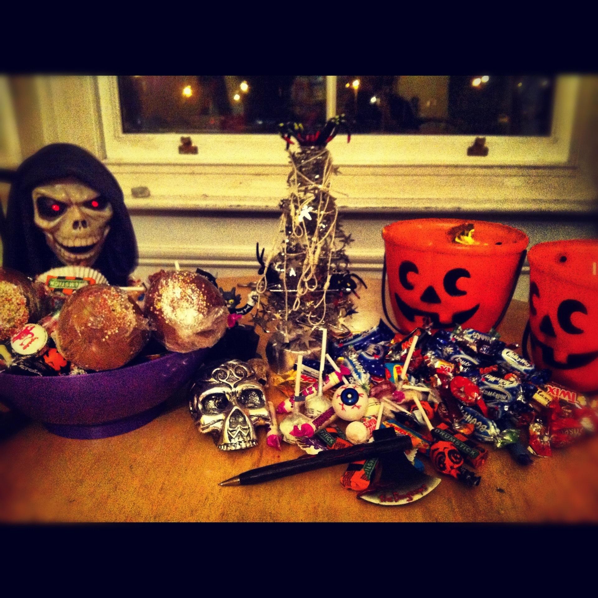 happy halloween … tree | 'ticket's there' - irish and international